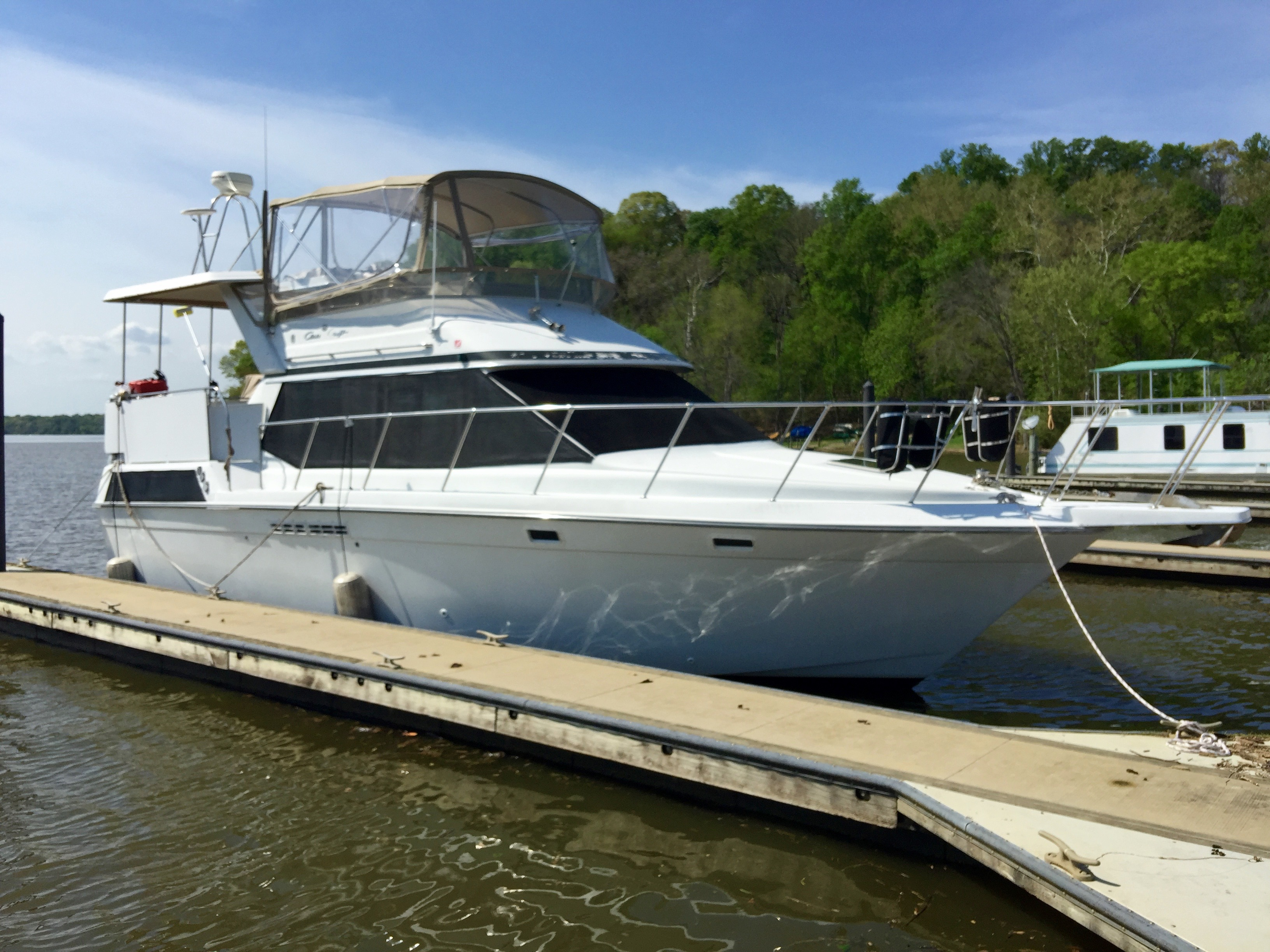 Chris-Craft 372 Catalina