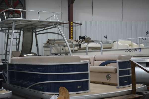 Sweetwater PE 240 Sun Deck 3G