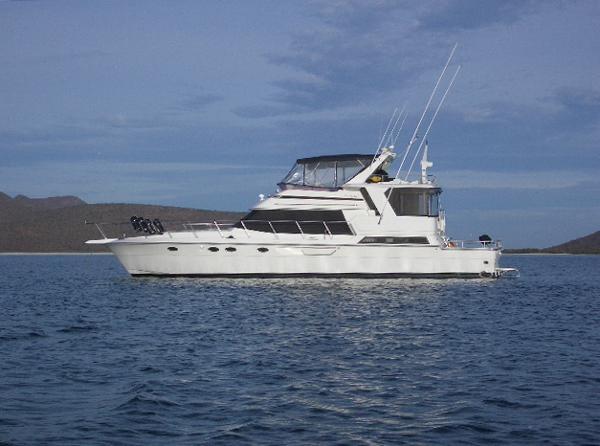 Dyna Yachts Aft Cabin