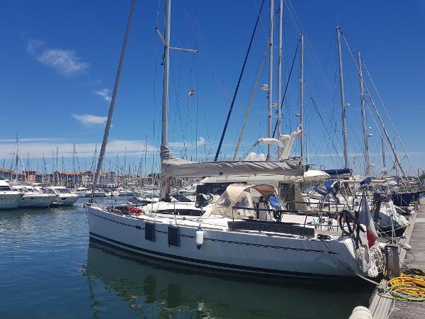 Elan 410 ELAN 410 - AYC Yachtbrokers