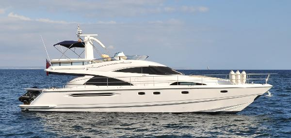Fairline Squadron 58 At sea