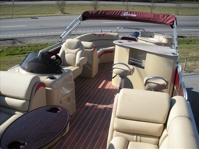 Berkshire Pontoons Premium Series 250E