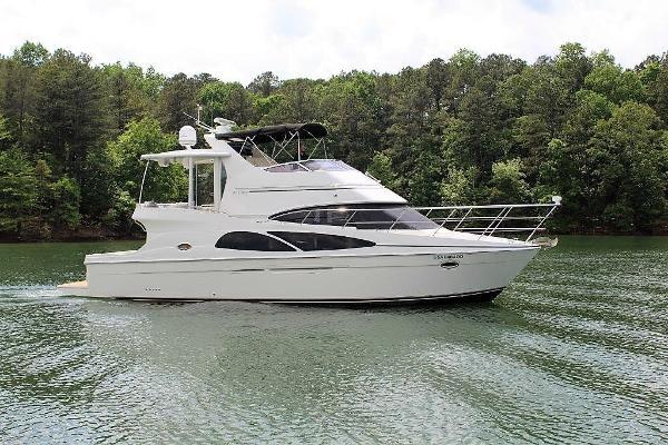 Carver 41 Cockpit Motor Yacht Starboard profile
