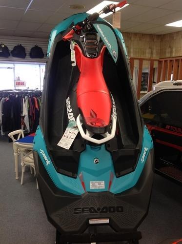Sea-Doo SPARK® TRIXX™ 3-up Rotax 900 HO ACE