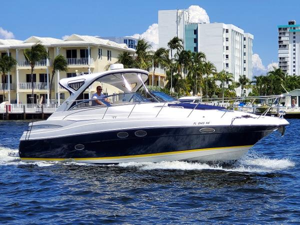 Regal Commodore 3560 38 Sport Yacht