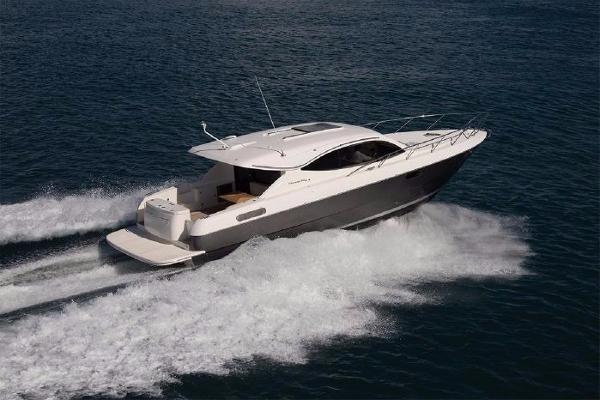 Maritimo S43 Starboard Side