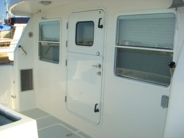 40' Nordhavn cockpit forward