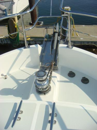 40' Nordhavn anchor windlass