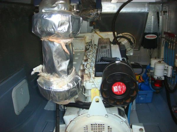 40' Nordhavn engine room forward