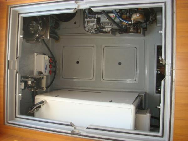 40' Nordhavn engine room aft salon access