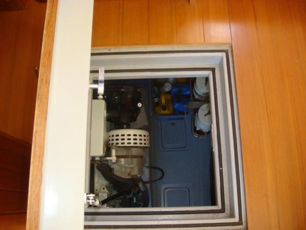 40' Nordhavn engine room forward salon access