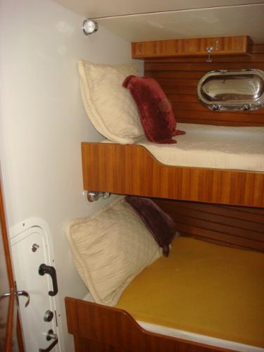 40' Nordhavn guest stateroom photo1