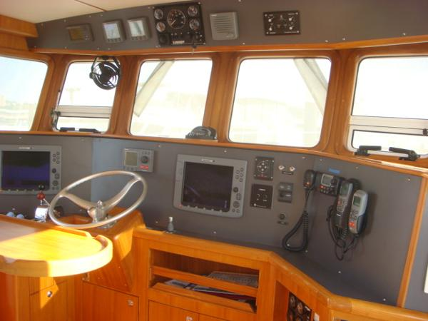 40' Nordhavn pilothouse forward