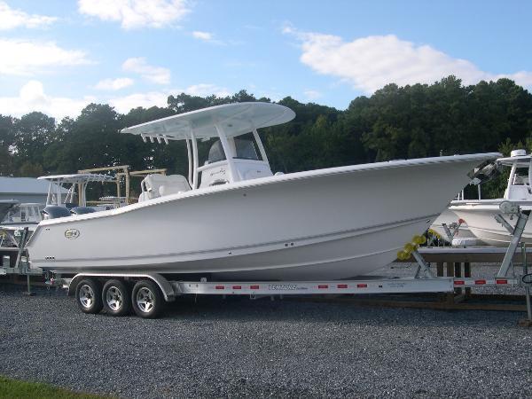 Sea Hunt Gamefish 30 - Forward Seat