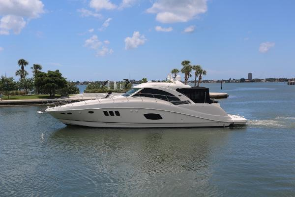 Sea Ray 580 Sundancer Profile