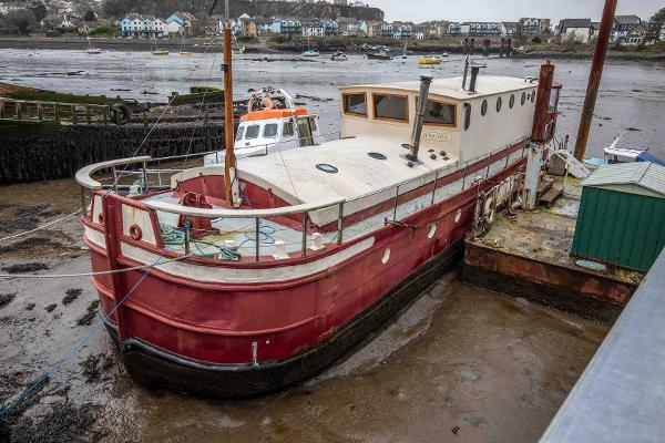 Humber Keel Barge Houseboat