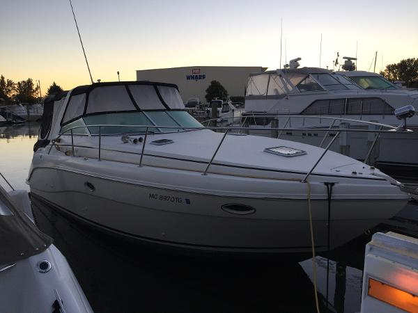 Rinker 310 Express Cruiser