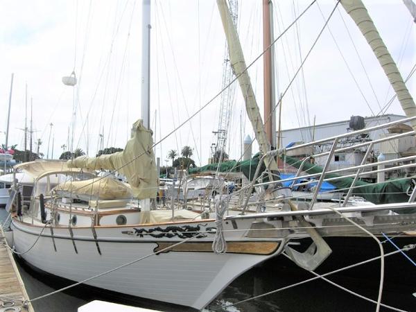 Island Trader 41 Docked