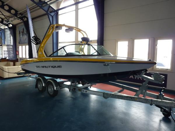Ski Nautique 200 Closed Bow 2013