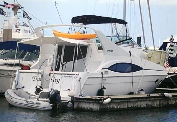 Carver 350 Mariner Profile