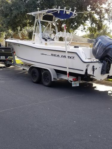 Sea Hunt 232 Triton