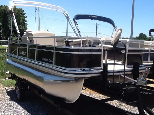 Lowe Ultra Value 162 Fish & Cruise