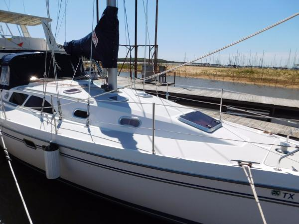 Catalina 387 Stb. Side