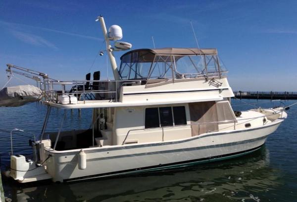 Mainship 40 Trawler