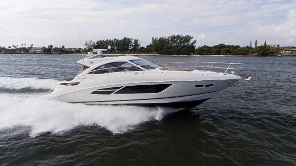 Sea Ray 510 Sundancer Starboard Running