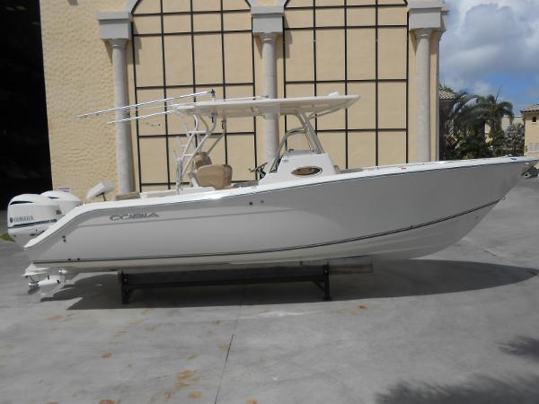 Cobia Boats 296 Center Console