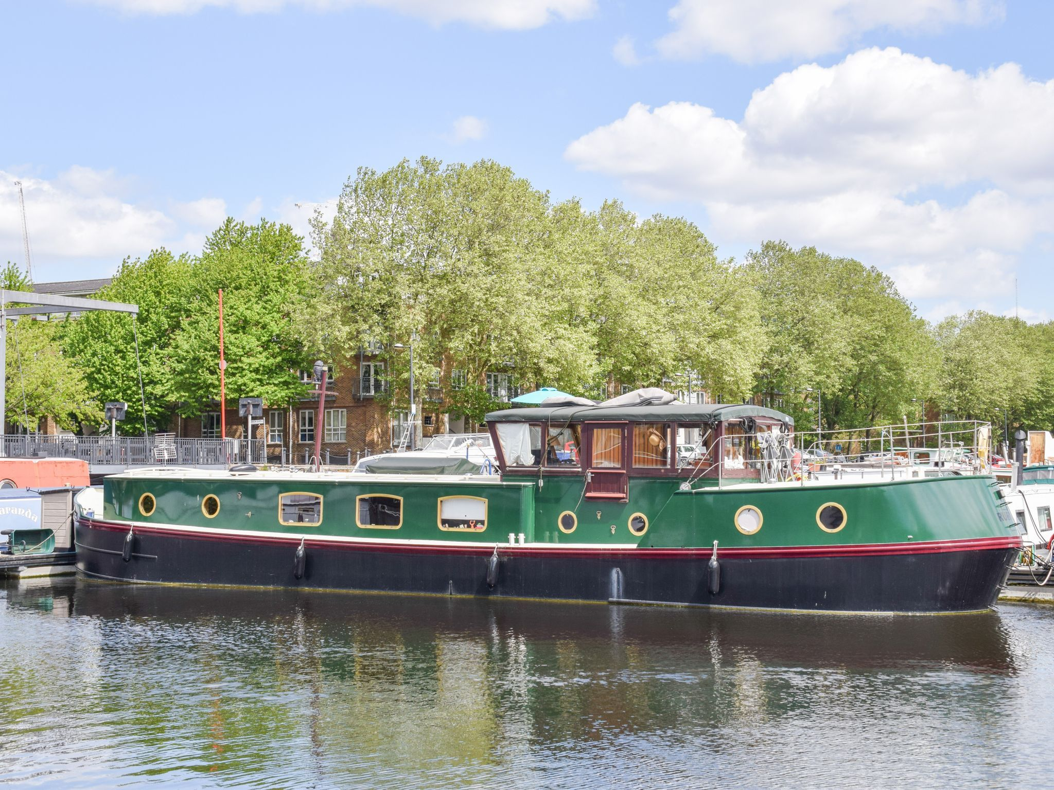 Dutch Barge Luxemotor 60ft with London mooring