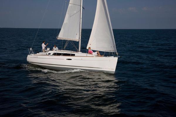 Beneteau Oceanis 34 picture sistership