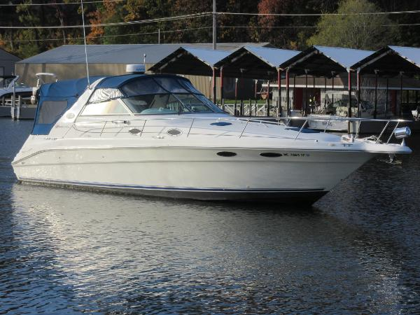 Sea Ray 330 Sundancer ON THE WATER