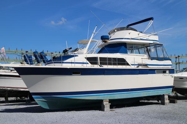 Chris-Craft 410 Commander Yacht
