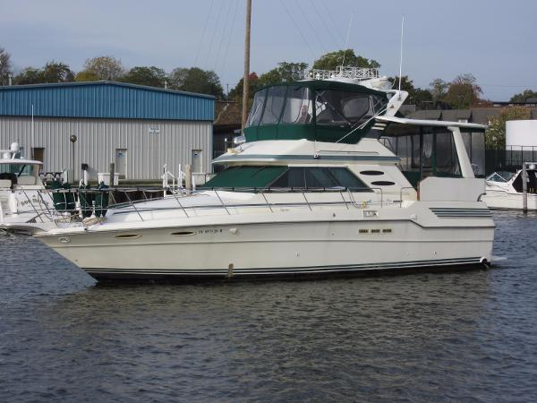 Sea Ray 410 Aft Cabin ON THE WATER
