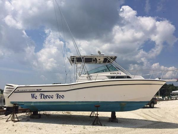 Grady-White Marlin 2890 Profile