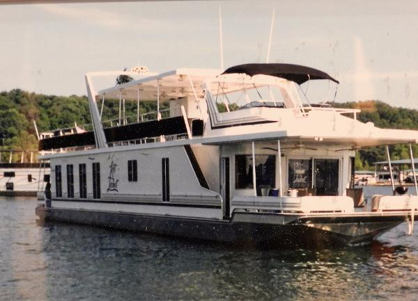 Sunstar 17' x 80' Houseboat