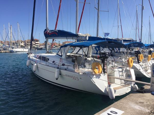 Beneteau Oceanis 50 Family Main View