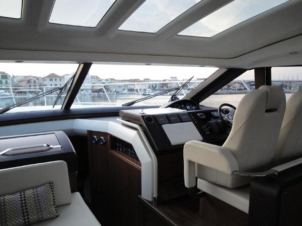Princess V62 Helm Station