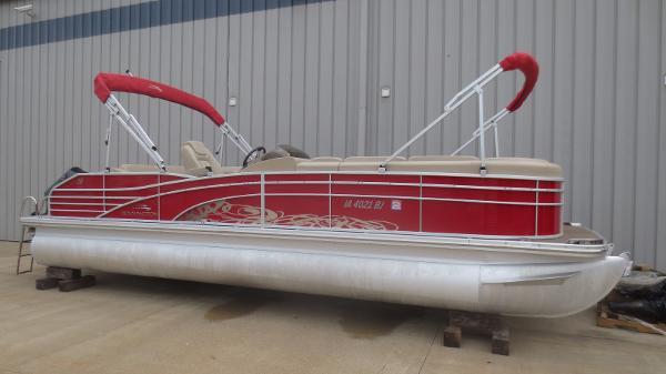 Bennington 2550 RCL