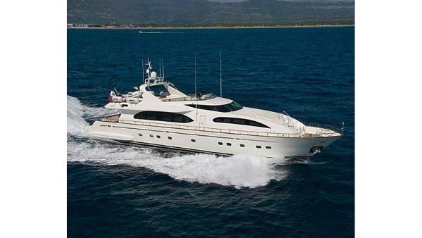 Falcon 115 Motor Yacht