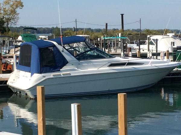Sea Ray 280 Sundancer Starboard