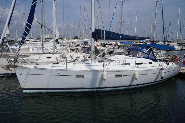 Beneteau Oceanis Clipper 393 Oceanis 393 - AYC International Yachts Brokers