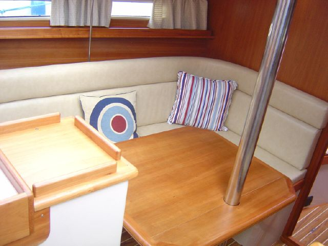 Saloon seating and table