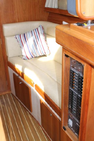 Settee on s/side, boat electric panel