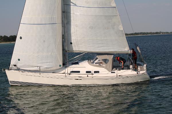 X-Yachts X-37