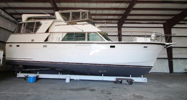 Hatteras 48 Motoryacht Stbd Profile