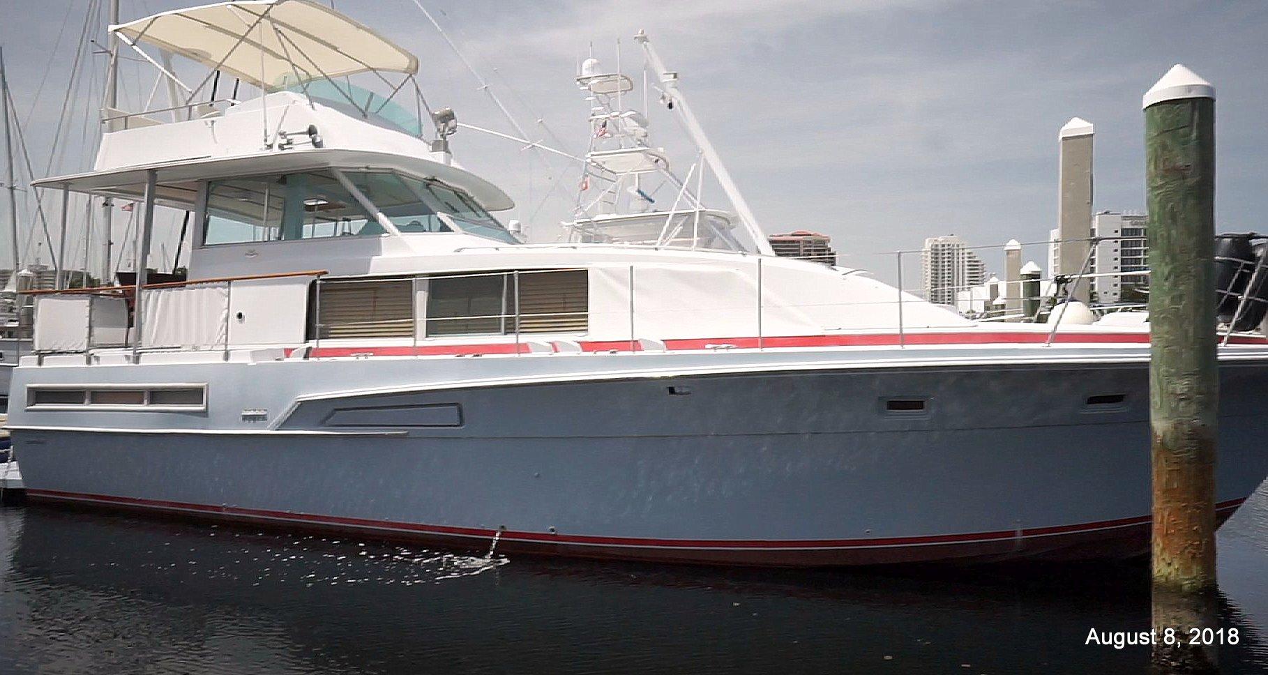 Bertram Motor Yacht Flushdeck