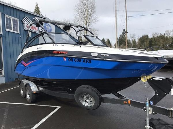 Yamaha Marine AR240 High Output With Painted Trailer