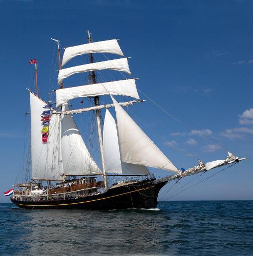 Royal Tallship 3-mast sail schooner